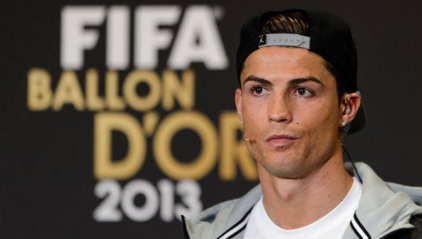 ¿Vale igual, Cristiano? La FIFA ya no entregará el Balón de Oro