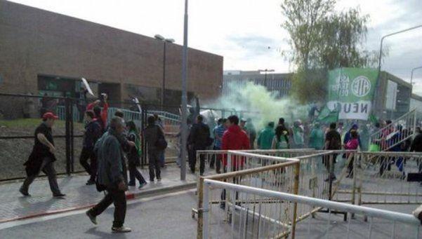 Suspenden la audiencia por las tarifas en Neuquén por incidentes
