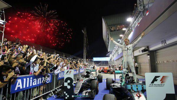 Nico Rosberg ganó en Singapur y recuperó el liderazgo en la F1
