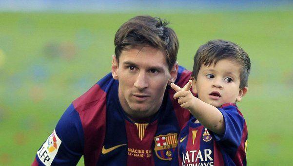 Los hijos de Messi, Suárez y Piqué, en la escuelita del Barcelona