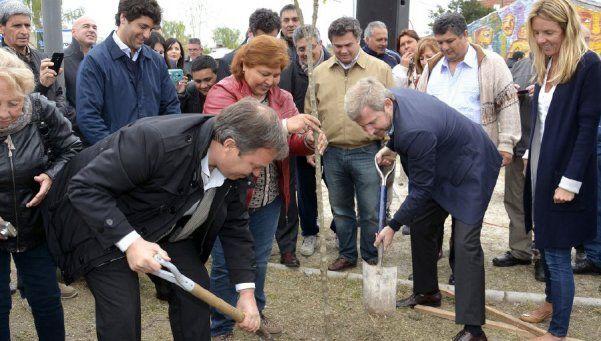 Nación inauguró importantes obras en Brown y Lomas