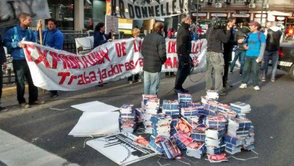 Trabajadores de Madygraf paralizaron el centro con el Cuadernazo