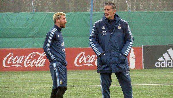 """Bauza: """"Nos dicen que cuidemos a Messi, pero ellos no lo hacen"""""""
