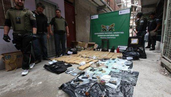 Nueve detenidos en un operativo antidroga en la villa 1-11-14
