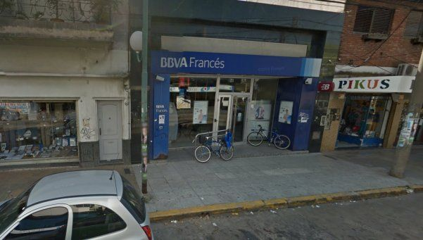 Villa Martelli: golpe exprés de encapuchados en un banco