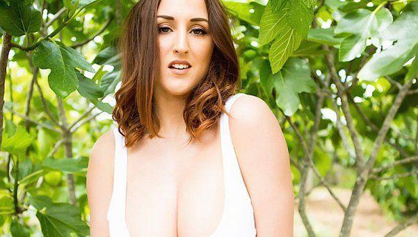 Stacey Poole le mostró los pechos a la Madre Naturaleza
