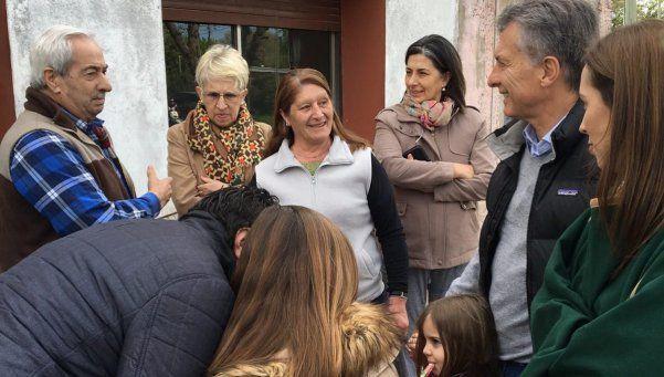 Macri y compañía salieron a timbrear por todo el país