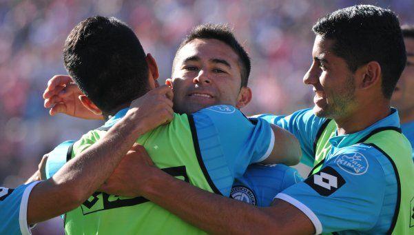Belgrano y su goleador siguen de racha: dos de Bieler y triunfazo en Santa Fe