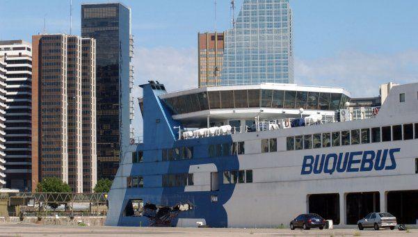 """Alertan por una ola de """"despidos salvajes"""" en Buquebus"""