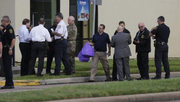 Nueve heridos y un muerto en tiroteo en Houston