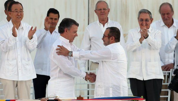 Histórico acuerdo en Colombia: el Gobierno y la FARC firmaron la paz