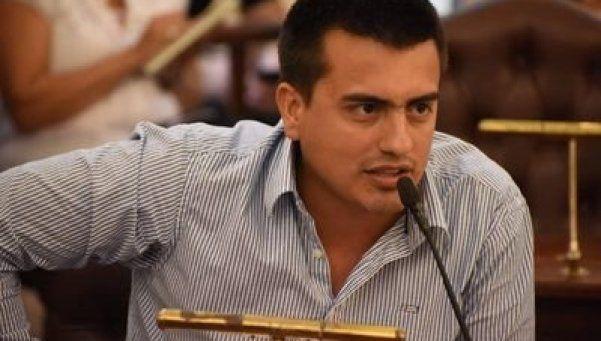Concejal del FpV pidió que las FARC secuestren a Macri: Fue un acto fallido