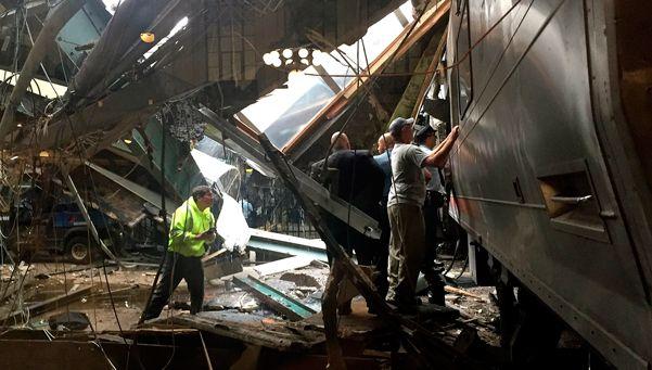 Fotos   Chocó un tren en Nueva Jersey: 1 muerto y al menos 100 heridos