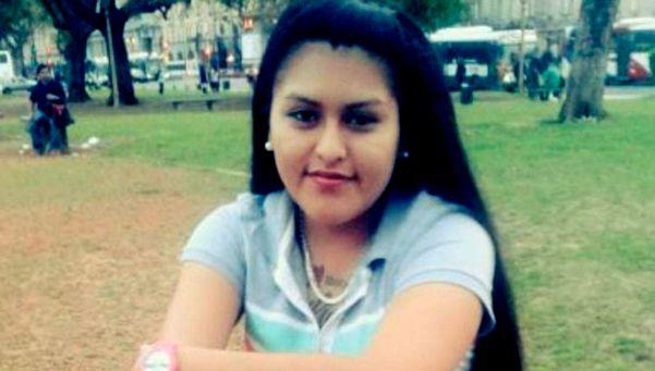 Mataron a puñaladas a una joven en su casa de la Villa 31