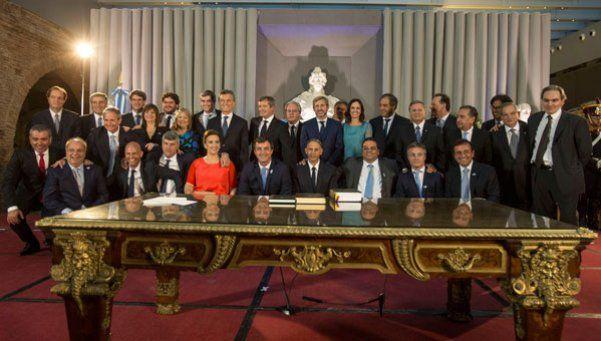 ¿Cuáles son los sueldos de Macri, Michetti, Peña y sus ministros?
