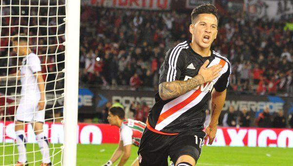 River goleó a Vélez en una noche llena de polémicas