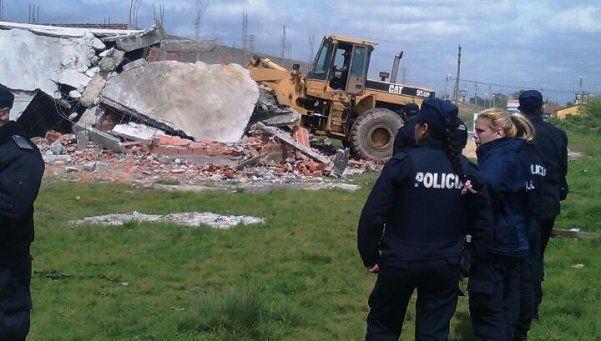 Polémico desalojo de 30 familias en Rafael Castillo
