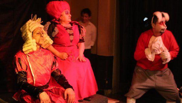 Novedosa presentación del grupo de teatro Taquepela