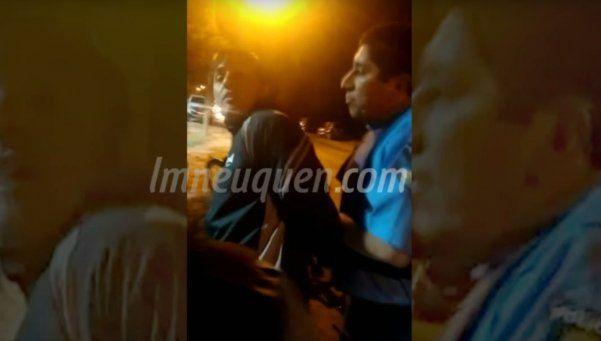 Abuso policial en Neuquén: salió a andar en bici y terminó en un calabozo