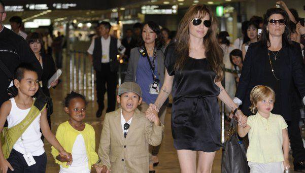 Angelina Jolie comenzó terapia con sus hijos
