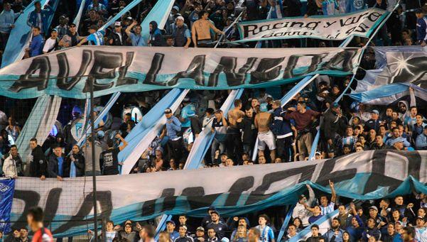 Con hinchas visitantes para Racing en su viaje a Atlético de Rafaela