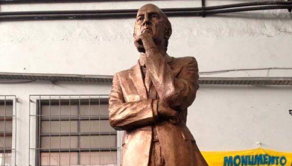 Bianchi descubrió su estatua en La Bombonera frente a otros ídolos de Boca