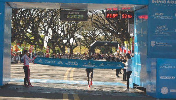Argentina tuvo su podio en la Maratón de Buenos Aires