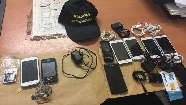 Un capo narco tenía 9 celulares y varios chips en su celda