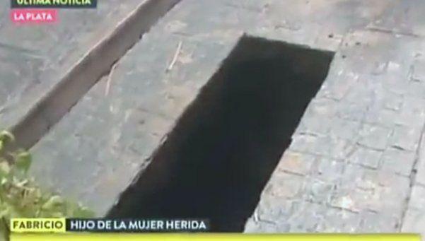 Se hundió el patio de su casa y se cayó en un pozo de 4 metros