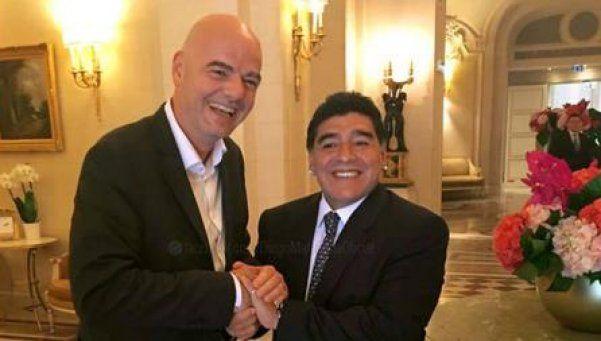 Infantino: Sería un gran honor trabajar con Maradona