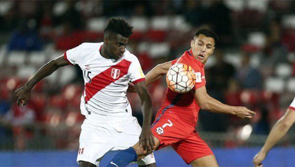 Chile venció a Perú y acecha a Argentina