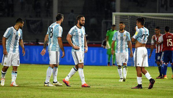 Argentina, sin signos vitales, cayó ante Paraguay en Córdoba