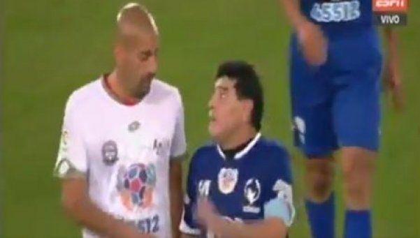 ¿Viejas disputas? Feo cruce entre Maradona y Verón en el Partido por la Paz