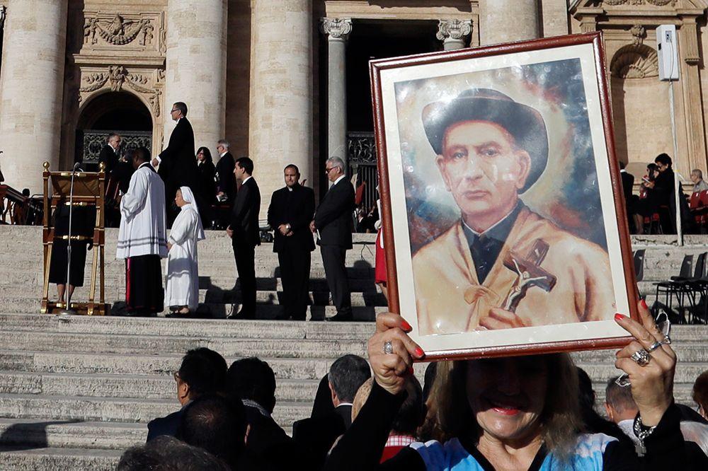 Las postales de un día inolvidable: la ceremonia de canonización de Brochero