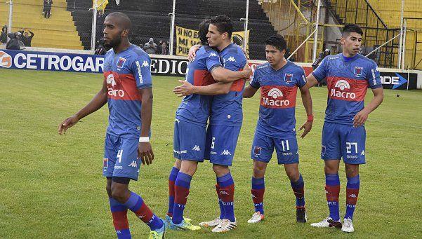 Tigre mostró las garras en Bahía y puso primera con una goleada