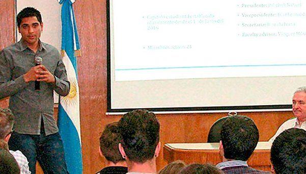 Conferencia sobre energías alternativas en la Jauretche