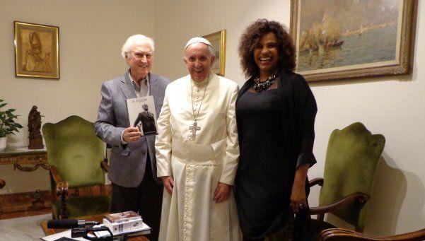 Un Papa sonriente estuvo reunido con Pino Solanas