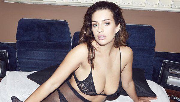 El infartante desnudo total de Holly Peers