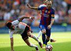 Video | El cruce de Enzo Pérez que le rompió la rodilla a Iniesta