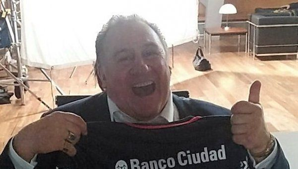 """Depardieu, cuervo francés con una """"custodia"""" China"""