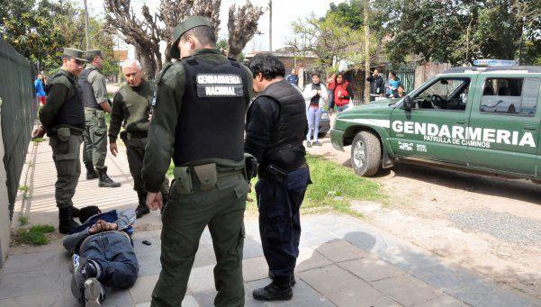 Brown  y Echeverría reciben a efectivos de la Gendarmería