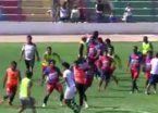 Video | Batalla campal entre jugadores termina en rezo colectivo