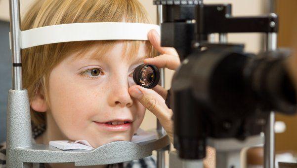 Los chequeos visuales, tan importantes como las visitas al pediatra