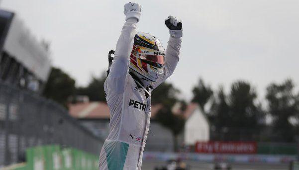 Fórmula 1: Hamilton ganó en México y sueña con alcanzar a Rosberg