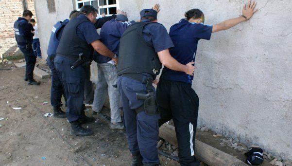 Reconocen 350 detenciones arbitrarias de menores en el Conurbano