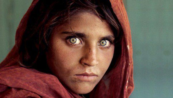 La niña afgana pasó de la cárcel a un hospital