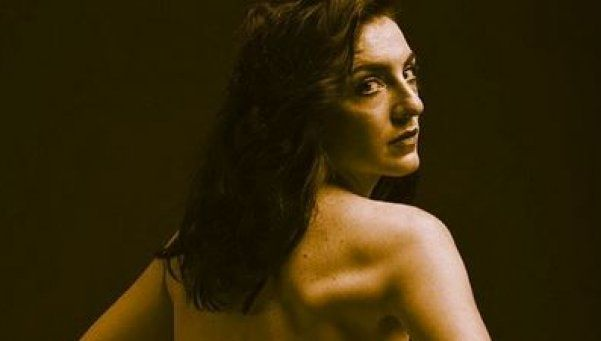 Julieta Zylberberg posó en topless y enloqueció a Lamothe