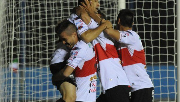 Deportivo Morón: Damián Akerman va por el gol 150