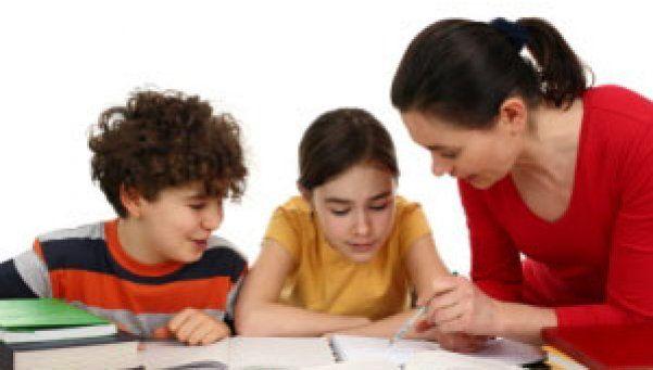 Huelga de padres contra la tarea escolar para recuperar tiempo familiar