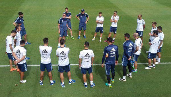 Con 15 jugadores, Argentina entrena en Belo Horizonte